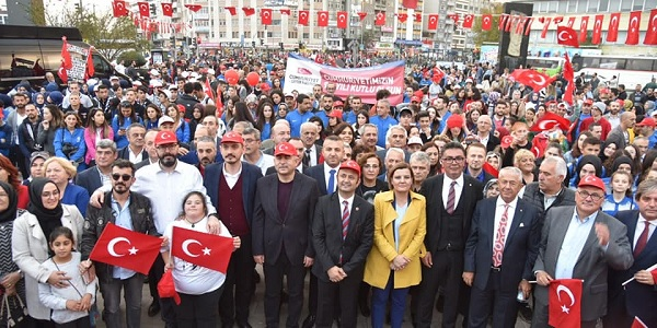 Photo of Fatma başkan vatandaşlarla tek tek bayramlaştı