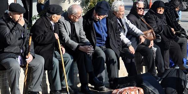 Photo of AKP milletvekilleri Emeklinin intibak yasa teklifini reddetti
