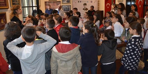 Photo of 'Büyük Dahi Gazi Mustafa Kemal Atatürk İzmitte' müzesinde yoğunluk