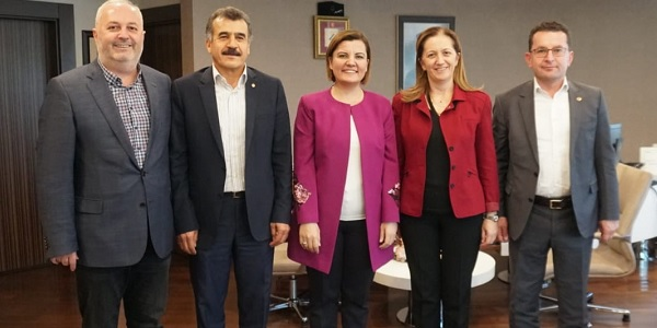 Photo of Disk genel başkanı Arzu Çerkezoğlu Fatma başkanı ziyaret etti