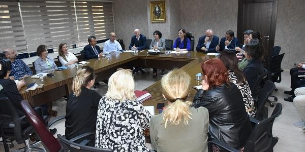 Photo of Fatma başkan belediyede kurmaylarıyla bir araya geldi