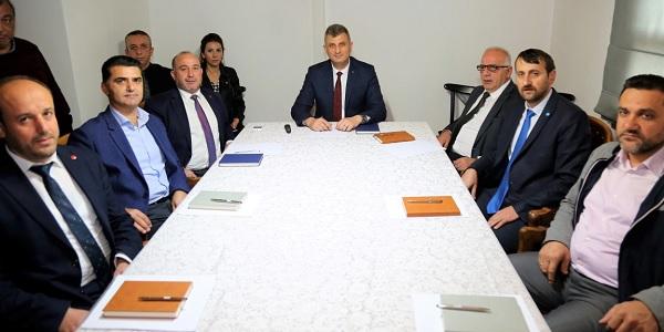 Photo of Gölcük Belediyesi siyasi partileri bir araya getirdi