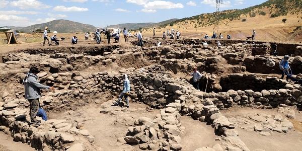 Photo of 4 bin 500 yıllık buğday taneleri Norik Höyük'te