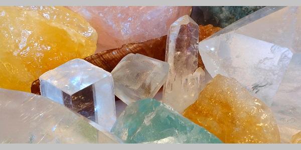 Cilt bakımında keşfedilen Kristal infüzyon yararlı mı?