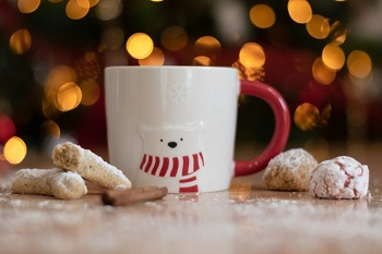 Kahvemizin yanındaki kurabiyeler
