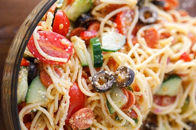 Kolay İtalyan Spagetti Makarna Salatası