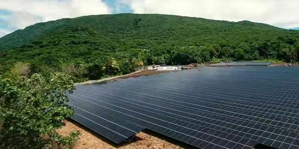 Photo of Tesla Enerjide Güneş ile tüm bir Adaya güç veriyor