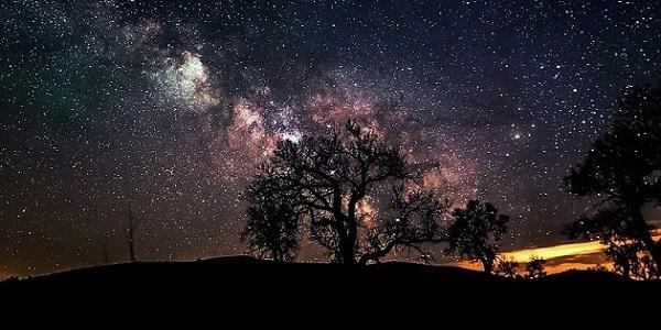 Uzayda Yıldızlarla Gezegenleri nasıl ayırt ederiz