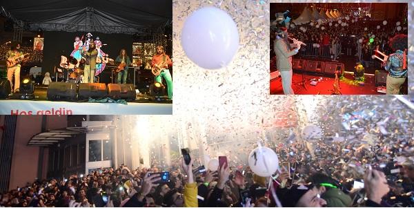 Photo of İzmit'te vatandaşlar 2020'ye Retrobüs konseriyle girdi