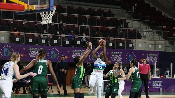 """Photo of İzmit'in Perileri nefes kesen maçı """"91-89"""" kazandı"""