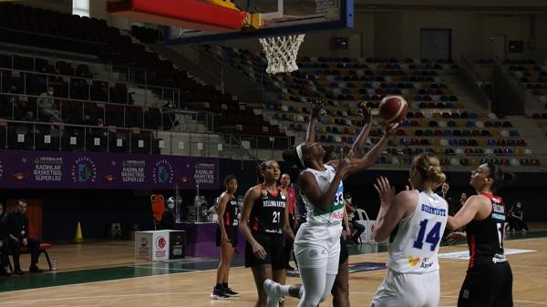 """Photo of İzmitli Periler Kadınlar Basketbol Süper Liginde uçuşa geçti """"84-72"""""""