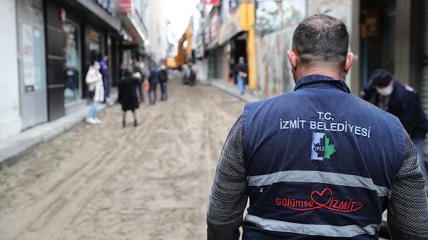 Photo of İzmit Belediyesi doğal taş zemin çalışmalarına başladı