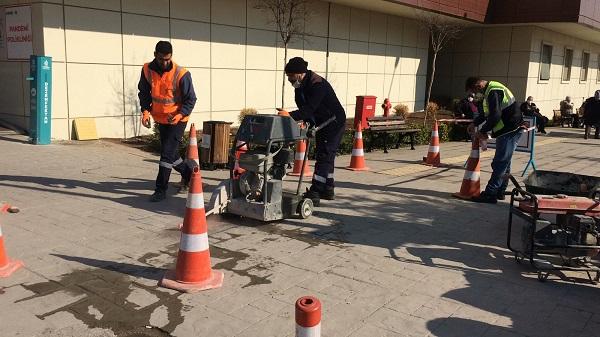 Photo of Görme engelli vatandaşlar için hissedilebilir zemin döşeniyor
