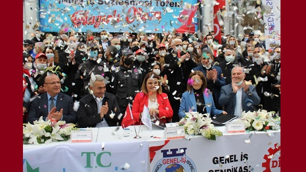 Photo of İzmit Belediyesi çalışanlarının yüzünü güldürdü