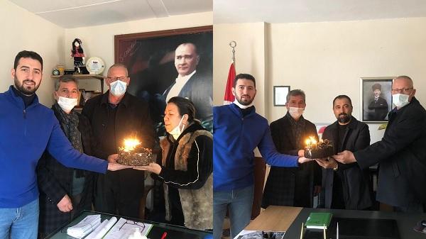 Photo of İzmit Belediyesinden muhtarlara doğum günü sürprizi